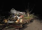101978-joplin-missouri-tornado-live-pictures